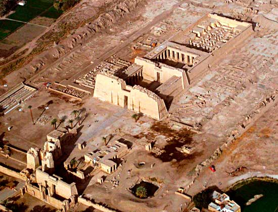Madinat Habu temple from the air